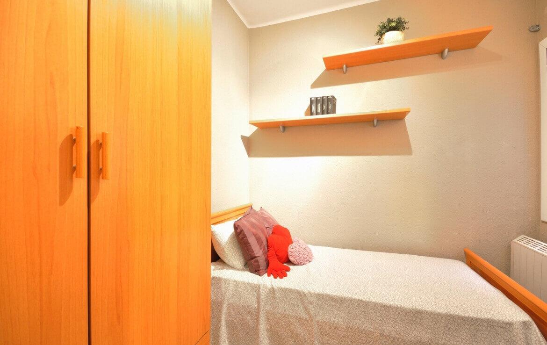 habitació taronja